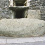 Newgrange,_Ireland[1]